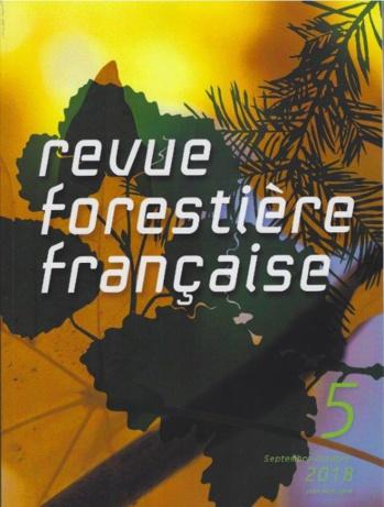 """Recension dans la """"Revue forestière française"""" du livre de Caroline Renoux : """"Comment faire carrière dans les métiers de la RSE et du développement durable""""."""