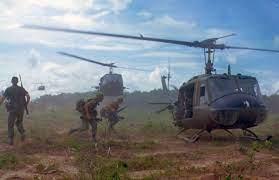 """""""Deux défaites : le Viet Nam et l'Afghanistan"""" par Capitaine de Frégate (H) Ortiz"""