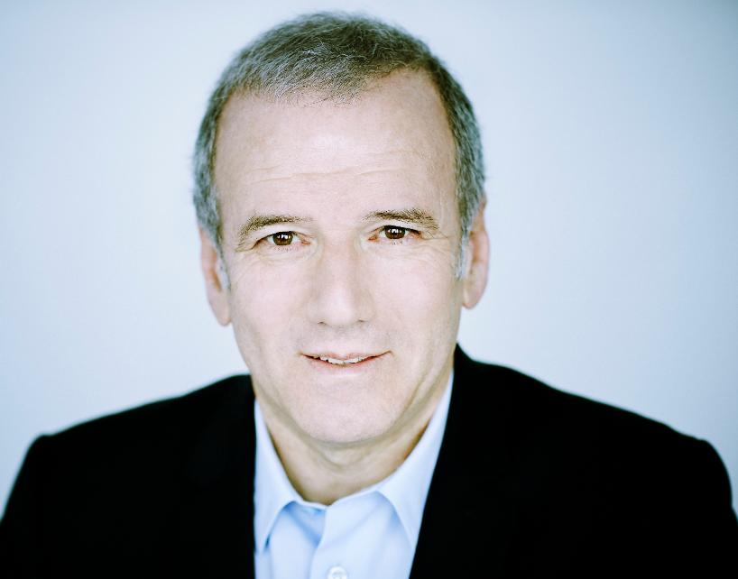 """Philippe Lentschener : """"La data définit des lignes, mais les dirigeants ne savent pas encore comment lire entre ces lignes"""" sur le JDE"""